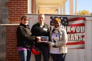 janice-with-habitat-for-humanity-and-veteran-nov-12-2016